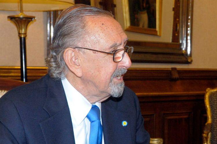 Arsitek kenamaan asal Argentina, Cesar Pelli.