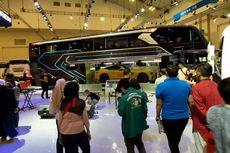 Kendaraan Besar Sedot Perhatian Keluarga Pengunjung GIIAS 2019