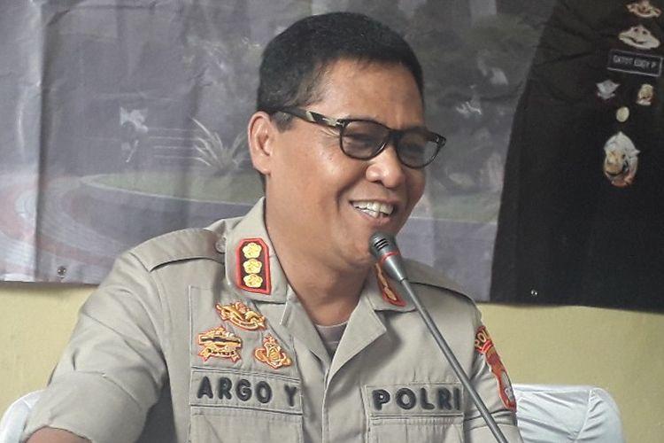 Kabid Humas Polda Metro Jaya Kombes Argo Yuwono memberi keterangan kepada pers dalam konferensi pers di RS Polri Kramat Jati, Sabtu (15/6/2019).