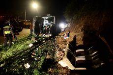 Korban Meninggal Kecelakaan Bus Tanjakan Emen Subang Dibawa ke Rumah Duka