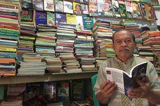 Kakek Mustakim, Penjual Buku Bekas yang Bertahan di Era Digital