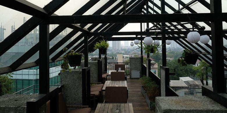 Lobbyn Sky Terrace di Fave Hotel Kemang.