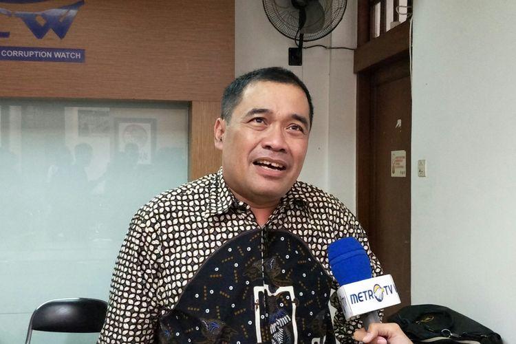 Direktur Penanganan Permasalahan Hukum LKPP Setya Budi di Kantor ICW, Jakarta, Minggu (25/2/2018).