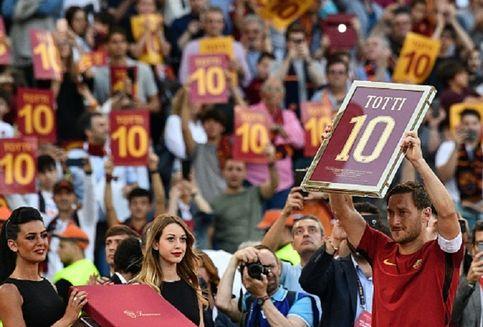 Totti Benarkan AS Roma Tak Tolak Tawaran Liverpool untuk Alisson