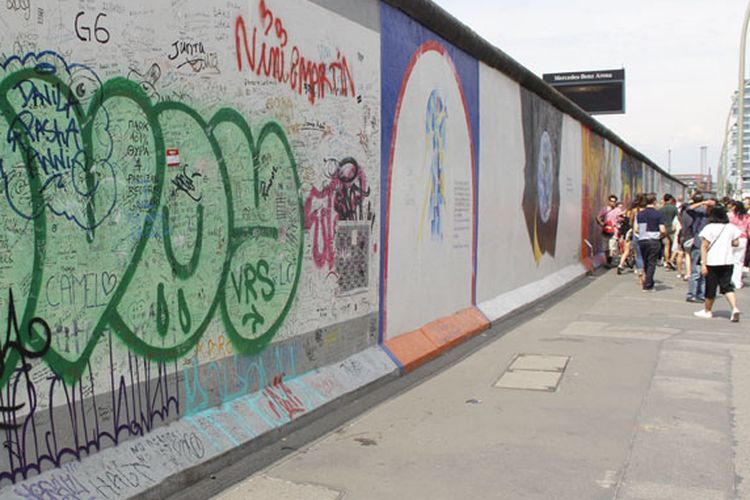 Tembok Berlin, Dibenci Sekaligus Dirindu...