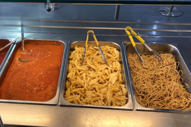 Aneka pasta di Dining Hall, Wisma Atlet, Kemayoran.