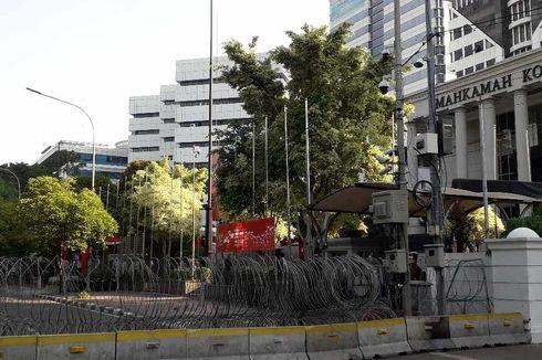 Usai Putusan Sengketa Pilpres, Barikade Kawat Berduri Masih Terpasang di Depan Gedung MK