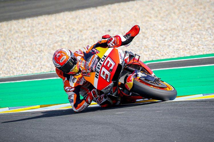 Kemampuan Marc Marquez menyelamatkan motornya dikagumi para rivalnya.