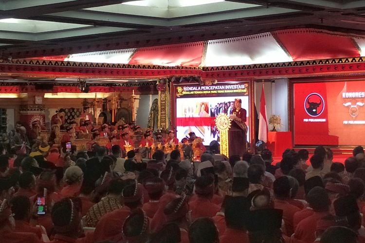 Presiden Joko Widodo memberikan sambutan di Kongres V PDI-P, Bali, Kamis (8/8/2019).
