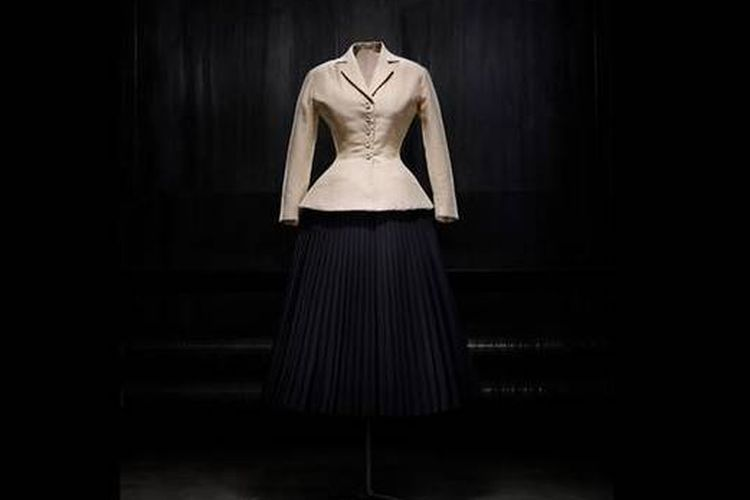 Salah satu model rancangan Dior