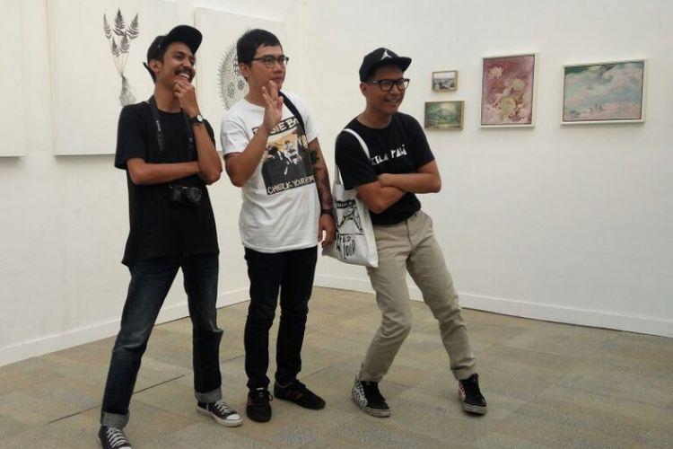 Sejumlah anak muda Bandung yang menekuni visual art, fotografi, musik, dan fashion memajang karya mereka dalam Go Ahead Challenge Festival 2017 di Monumen Perjuangan Rakyat, Jalan Dipatiukur, Kota Bandung, Sabtu (21/10/2017).