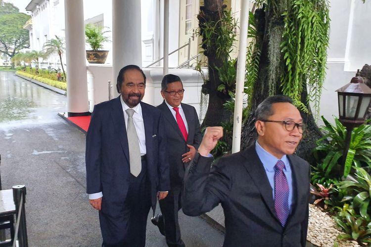 Ketua Umum PAN Zulkifli Hasan, Ketua Umum Nasdem Surya Paloh dan Sekjen PDI-P Hasto Kristiyanto usai menghadiri pelantikan gubernur dan wagub Maluku, di Istana Negara, Jakarta, Rabu (24/4/2019).