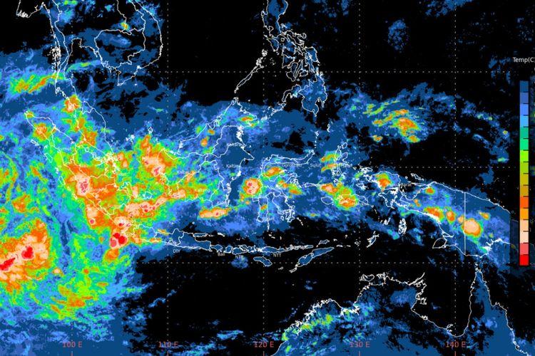 Badan Meteorologi Klimatologi dan Geofisika (BMKG) Stasiun Meteorologi Klas I Hang Nadim, Batam, Kepulauan Riau memperingatkan warga Kepri untuk berhati-hati menjelang tiga hati kedepan.  Pasalnya cuaca di wilayah Kepri sedang tidak bersahabat, selain berpotensi terjadi hujan dengan intensitas lebat.