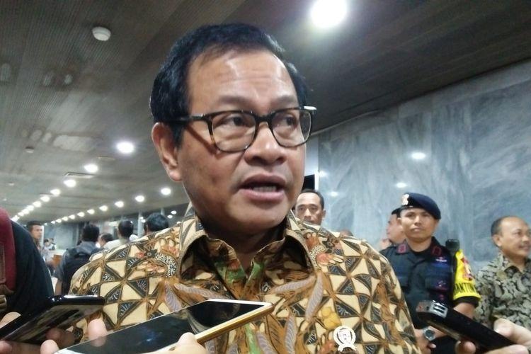 Politisi Senior PDI-P Pramono Anung di Kompleks Parlemen, Senayan, Jakarta, Selasa (18/6/2019)
