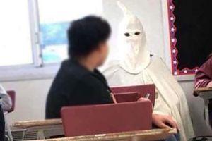 Siswa Kenakan Kostum Ku Klux Klan di Kelas, Seorang Guru Diskors