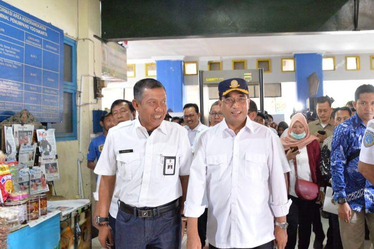 Menhub Budi Karya Sumadi di Terminal Bus Giwangan, Yogyakarta