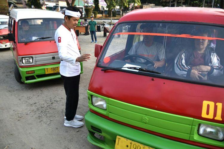 Bupati Purwakarta Dedi Mulyadi memimpin operasi penertiban angkutan umum bersama Satlantas Polres dan Dinas Perhubungan Kabupaten Purwakarta, Jumat (25/8/2017)