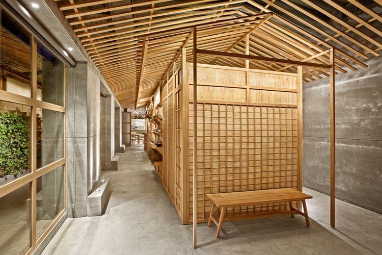 Desain interior Nozomi Sushi Bar.