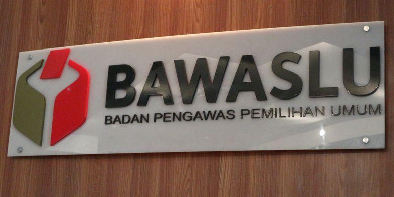 Logo Badan Pengawas Pemilu (Bawaslu) RI, di gedung Bawaslu RI, Jalan MH Thamrin, Jakarta Pusat, Rabu (1/11/2017).