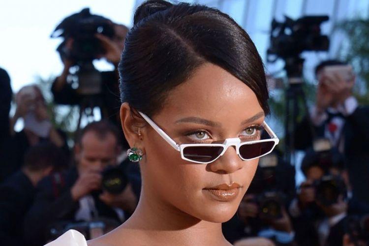 Kacamata retro Rihanna