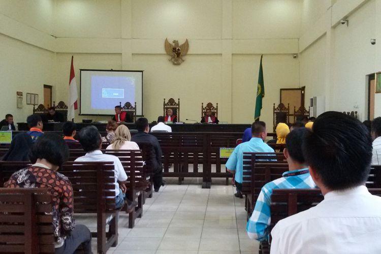 Sidang perdana dugaan politik uang di Pengadilan Negeri Pangkal Pinang.
