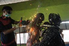 Siswa SMK Ciptakan Robot Polisi dari Onderdil Motor Bekas