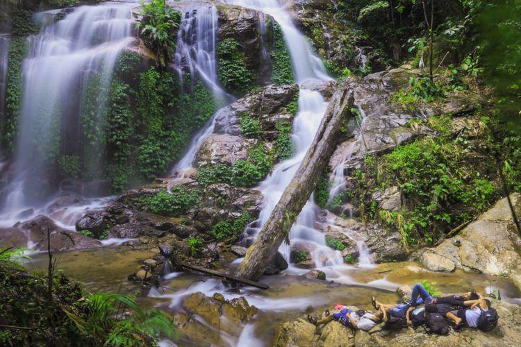 Keindahan alam Air Terjun Talang Kemulun, Kerinci, Jambi.