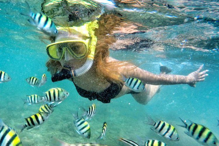 Serunya Snorkeling di Pantai Nglambor