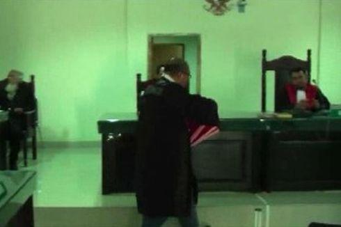 Terdakwa Korupsi Rp 1,7 Miliar APK Pilgub Sulbar Dituntut 2 Tahun 6 Bulan Penjara