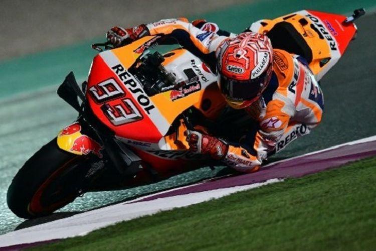 Pebalap Repsol Honda, Marc Marquez, menjalani latihan bebas di Sirkuit Losail pada MotoGP Qatar, 8 Maret 2019.