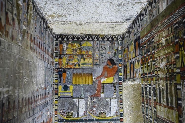 Makam Kuno 4.300 tahun berisi lukisan warna-warni