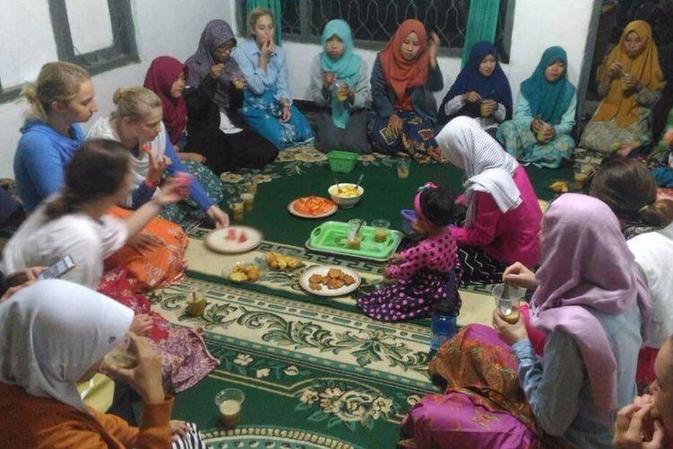 """Dusun Mlangi, Kampung Pesantren Tempat """"Mondok"""" Pelajar Non Muslim"""