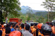 Hujan Lebat, Pencarian Warga yang Hilang di Kali Adem Dihentikan Sementara