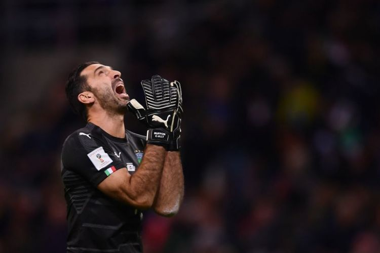 Italys goalkeeper Gianluigi Buffon reacts during the FIFA World Cup 2018 qualification football match between Italy and Sweden, on November 13, 2017 at the San Siro stadium in Milan. / AFP PHOTO / Marco BERTORELLO        (Photo credit should read MARCO BERTORELLO/AFP/Getty Images)