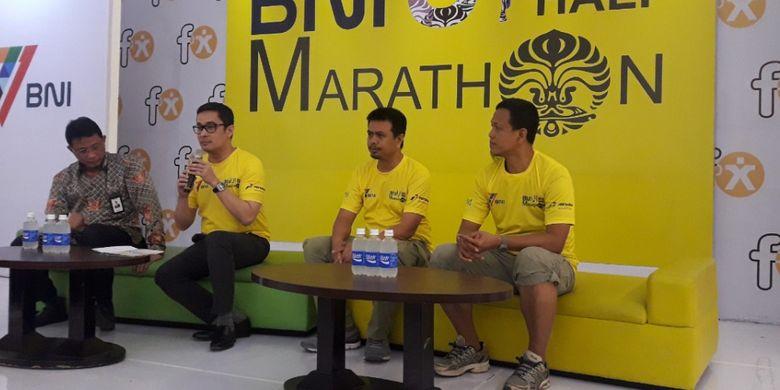 Andre Rahadian, Sekjen Iluni UI, saat memaparkan program Iluni UI dan tujuan pelaksanaan BNI UI Half Marathon 2017 pada jumpa pers di FX Sudirman, Kamis (13/7/2017).