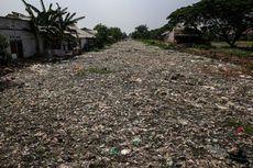 Mendengar Keluhan Warga yang Tinggal Dekat Tumpukan Sampah Kali Pisang Batu Bekasi...