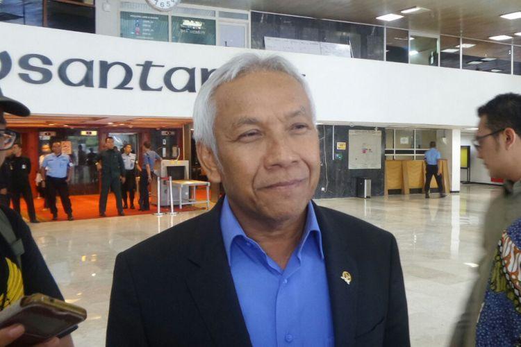Wakil Ketua DPR RI Agus Hermanto di Kompleks Parlemen, Senayan, Jakarta, Kamis (24/8/2017).