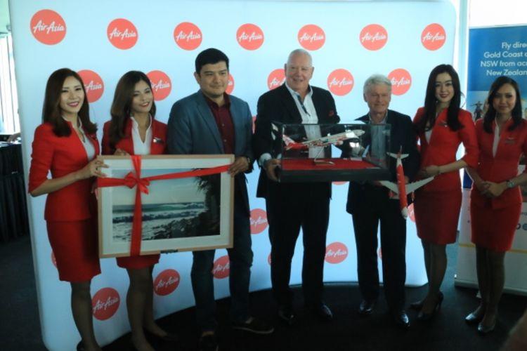 (Dari kiri ke kanan) CEO AirAsia X Malaysia Benyamin Ismail, Executive General Manager Businnes Developmen Qld Airport Paul Donovan dan Destination Gold Coast CEO Martin Winter