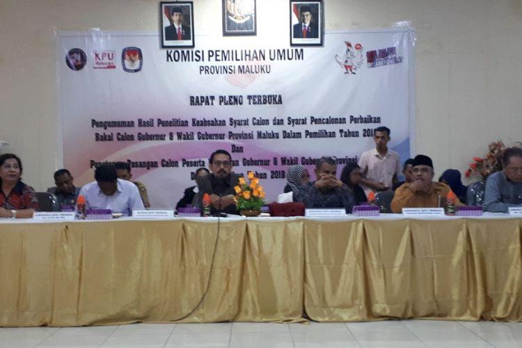 Rapat pleno terbuka pengumuman calon peserta Pemilihan Kepala Daerah (Pilkada) Maluku tahun 2018 di Kantor KPU Maluku, Senin (12/2/2018).
