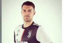 Aaron Ramsey Pamer Foto Berseragam Juventus