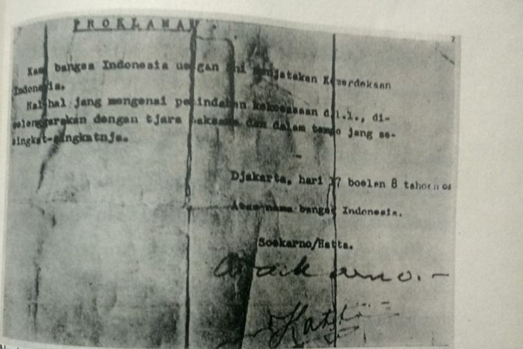 Teks proklamasi autentik yang diketik Sayuti Melik dan akhirnya dibacakan  Bung Karno di hadapan para pemuda 17065c4719