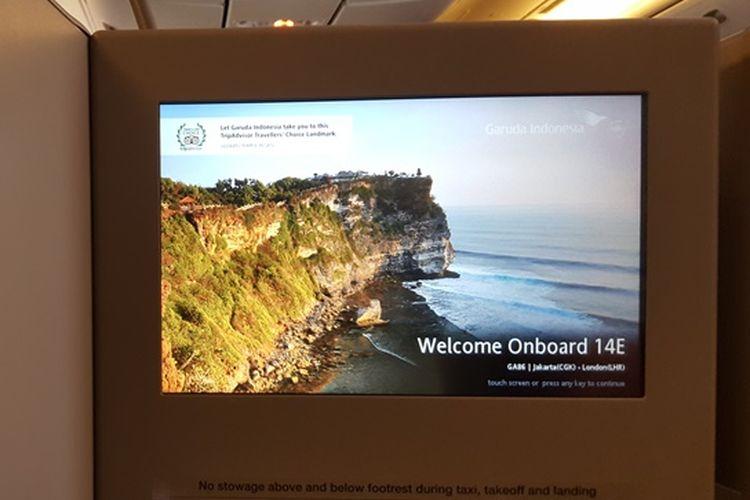 Layar hiburan di kelas bisnis Garuda Indonesia dalam penerbangan langsung dari Jakarta ke London, Sabtu (4/11/2017)/