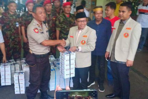 Bagi-bagi Tajil ke TNI-Polri, Pemuda Muhammadiyah Sampaikan Pesan Perdamaian