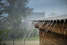 Hujan Disertai Angin dan Petir Diprediksi Melanda Jaktim dan Jaksel Sore Ini
