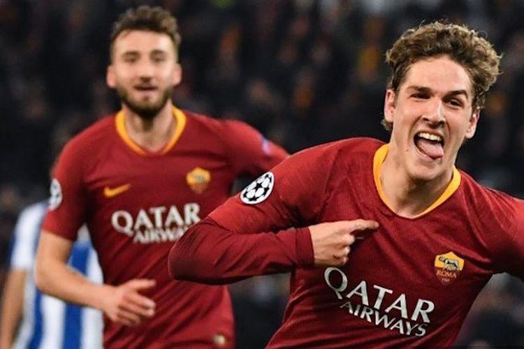 Nicolo Zaniolo merayakan golnya pada pertandingan AS Roma vs Porto di Stadion Olimpico dalam babak 16 besar Liga Champions, 12 Februari 2019.