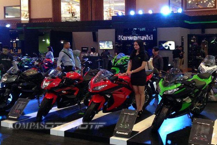 Booth Kawasaki di IMOS 2016.