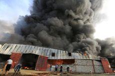 Gudang Bantuan Pangan di Pelabuhan Yaman Terbakar