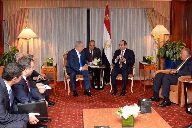 PM Israel Benyamin Netanyahu dan Presiden Mesir Abdel Fattah al-Sisi bertemu di sela-sela sidang umum PBB di New York.