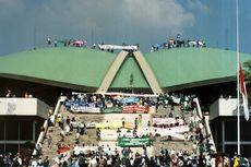 20 Tahun Reformasi, Kisah Mahasiswa Kuasai Gedung DPR pada 18 Mei 1998
