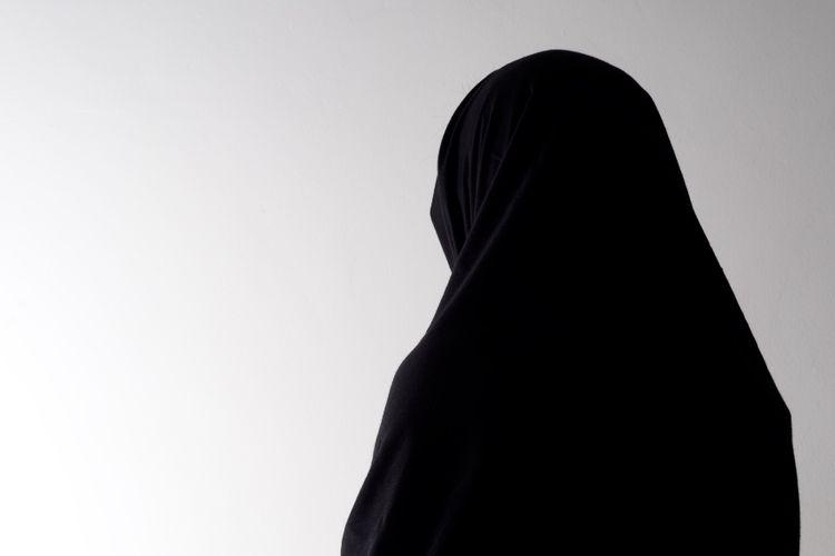Ilustrasi perempuan muslim. Seorang perempuan di Sudan dihukum cambuk 75 kali karena menikah tanpa restu ayahnya.